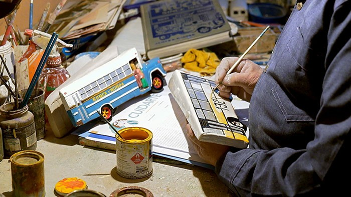 #51 Artisan and collector of buses